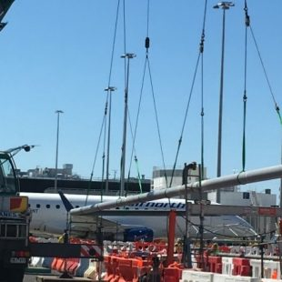 Multi crane lift for new fuel pipeline at major airport